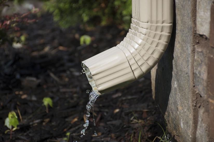 Regenrinne Abfluss