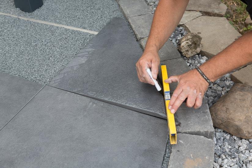 terrassenplatte-kante-abschneiden