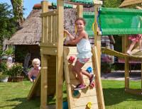 Hängbrückenanbau mit kleinem Spielturm, Rampe und Leiter