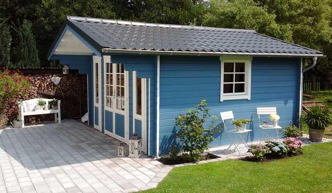 Gartenhaus mit Pfannenblech