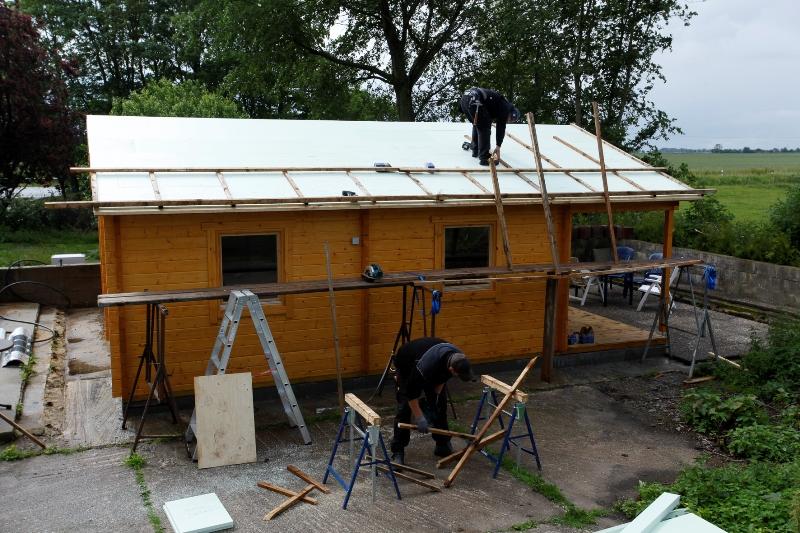 Dachboden Fußboden Nachträglich Dämmen ~ Gartenhaus isolieren so dämmen sie fassade dach boden
