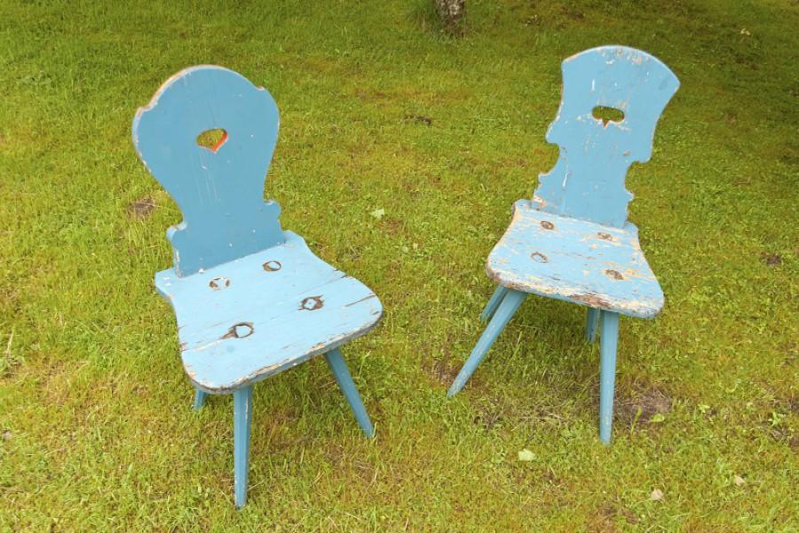 Gartenmöbel streichen: Tipps zur Pflege und Farbe