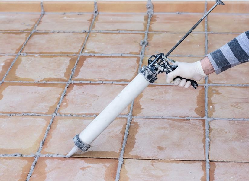 Berühmt Terrassenbelag erneuern: So bessern Sie Fliesen und Dielen richtig aus NL98