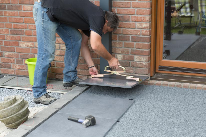 terrassenplatte-absetzen