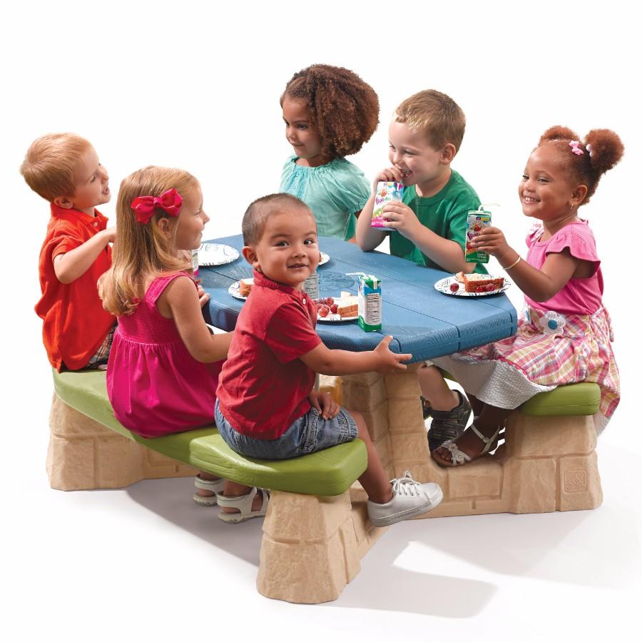 picknicktisch mit regenschirm. Black Bedroom Furniture Sets. Home Design Ideas